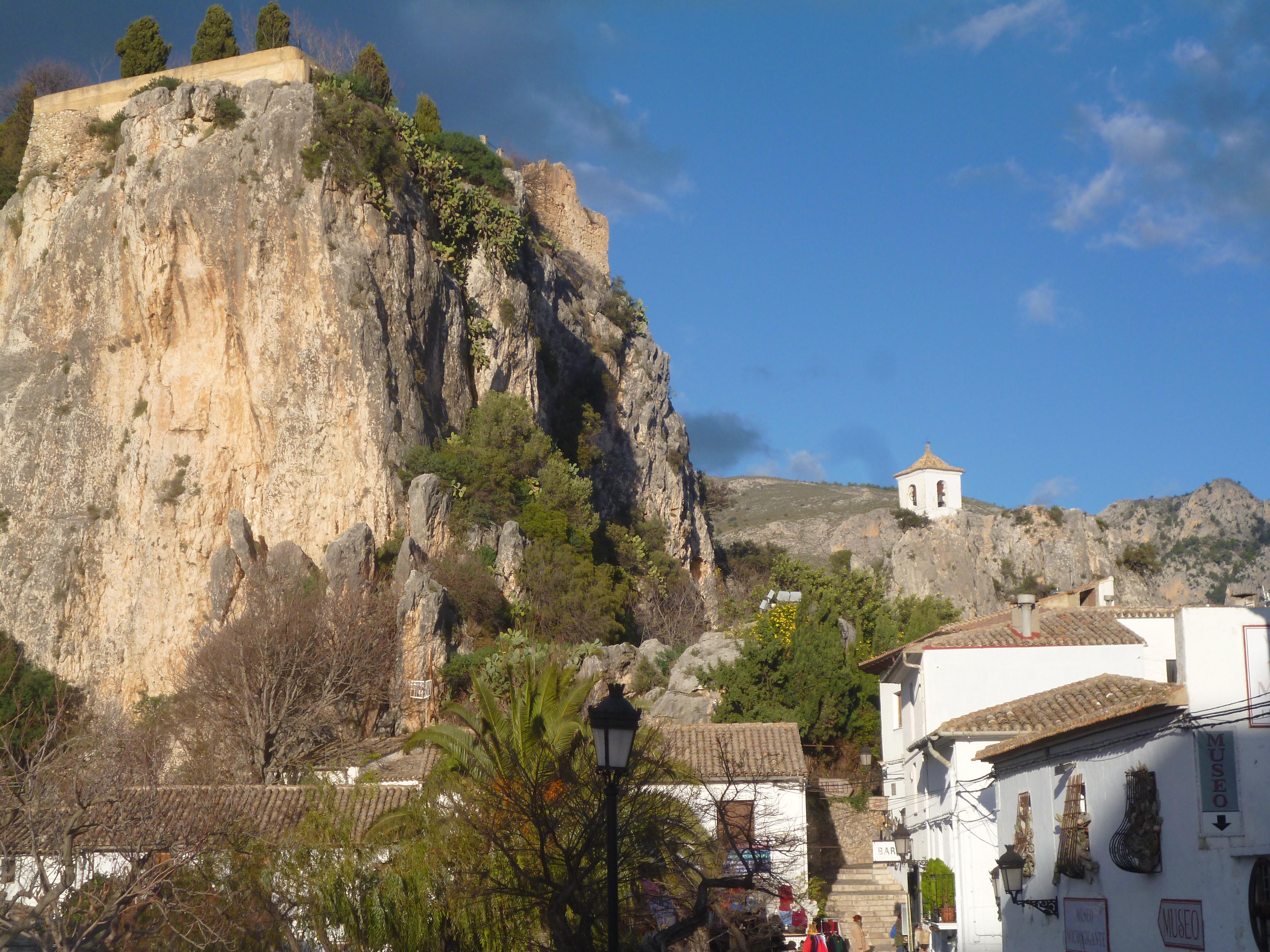 le castell de Guadalest à la fin du jour