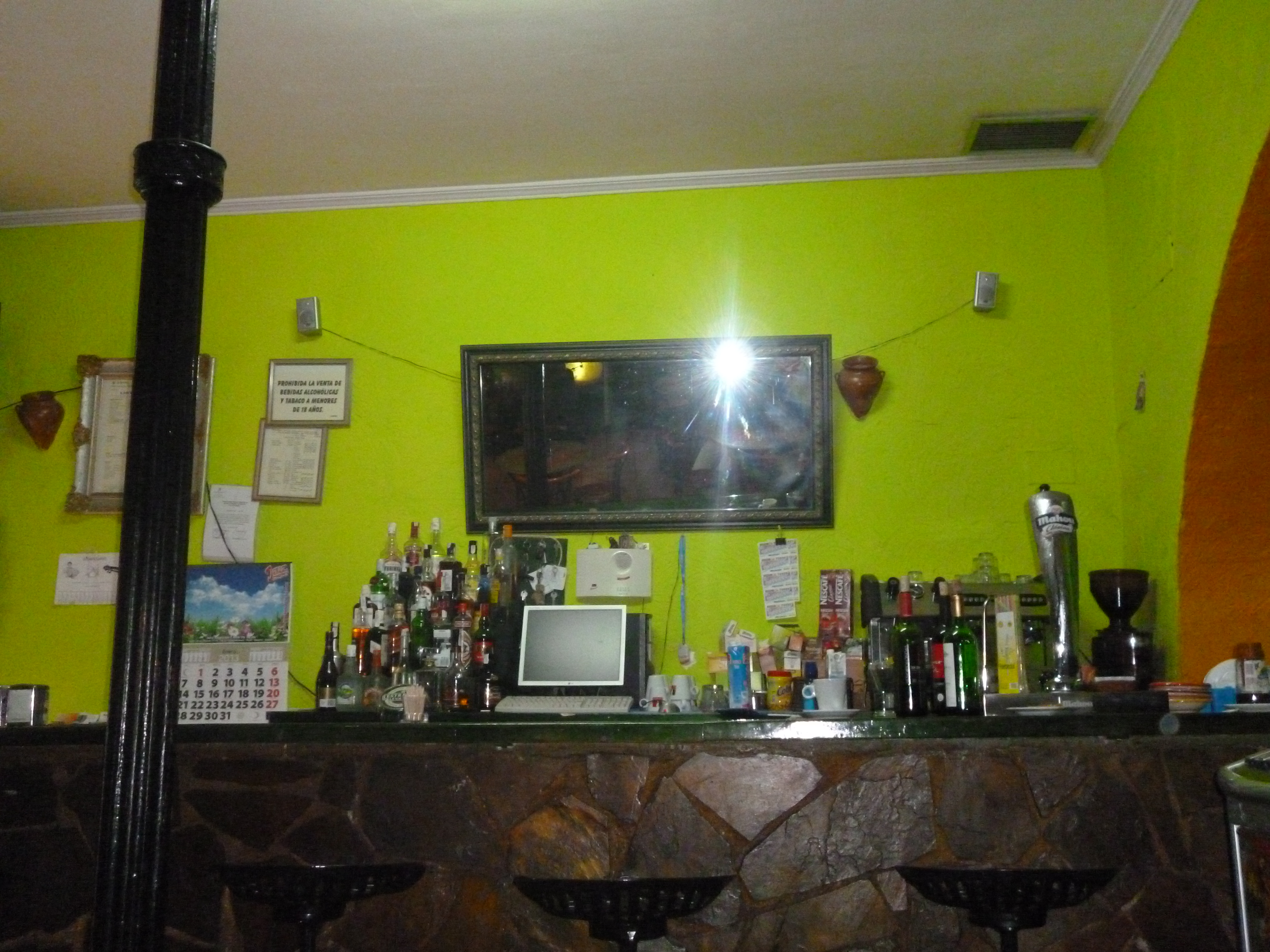 tipico, un bar tenu par un marocain