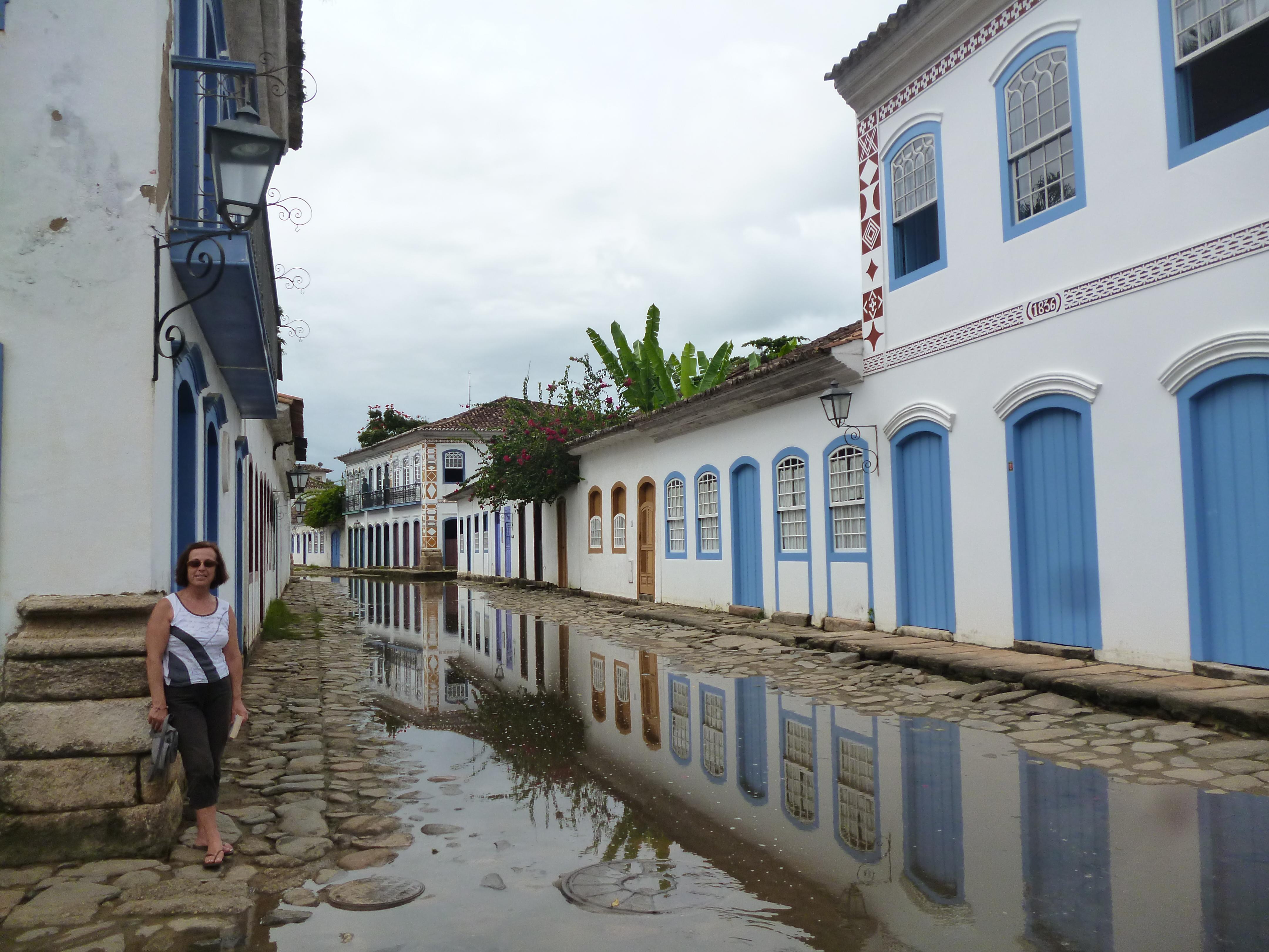 à marée haute, la mer envahit les rues