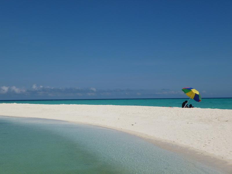 white island, une bande de sable blanc d'origine coralienne au large de mambajao, nous avons aimé...