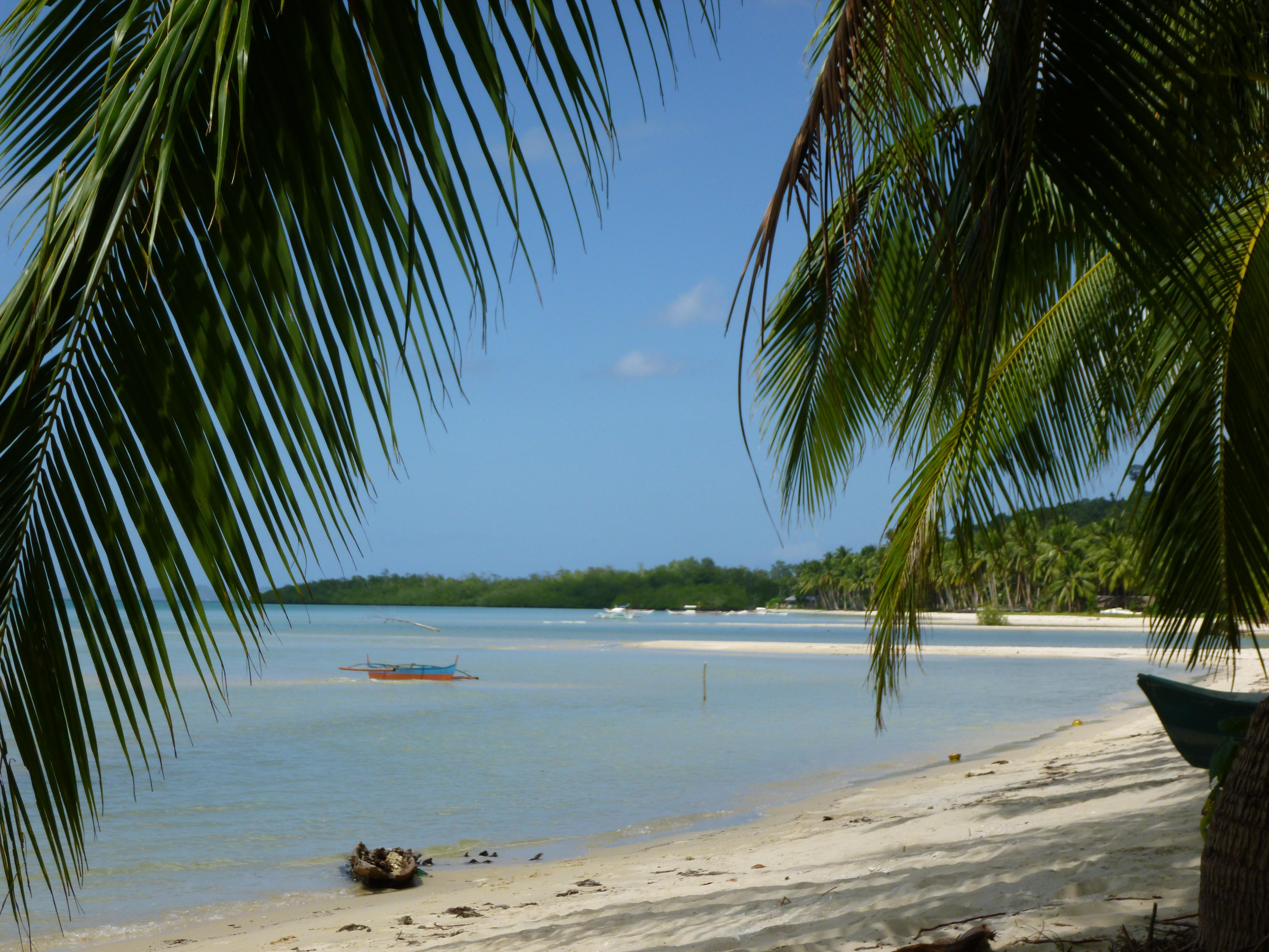 plage déserte de Pamuayan
