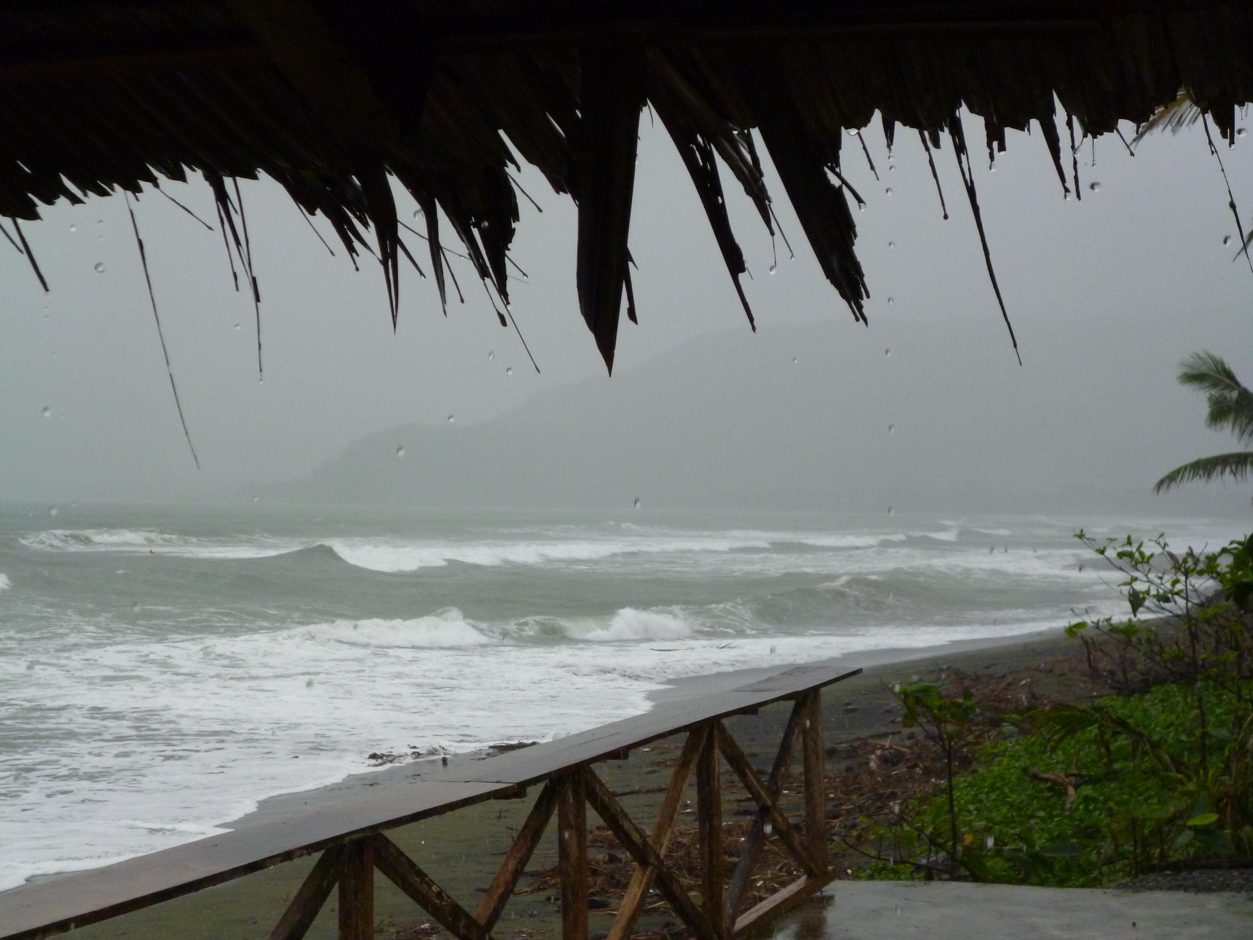 arrivée de la tempête Washi sur Baler en décembre 2011