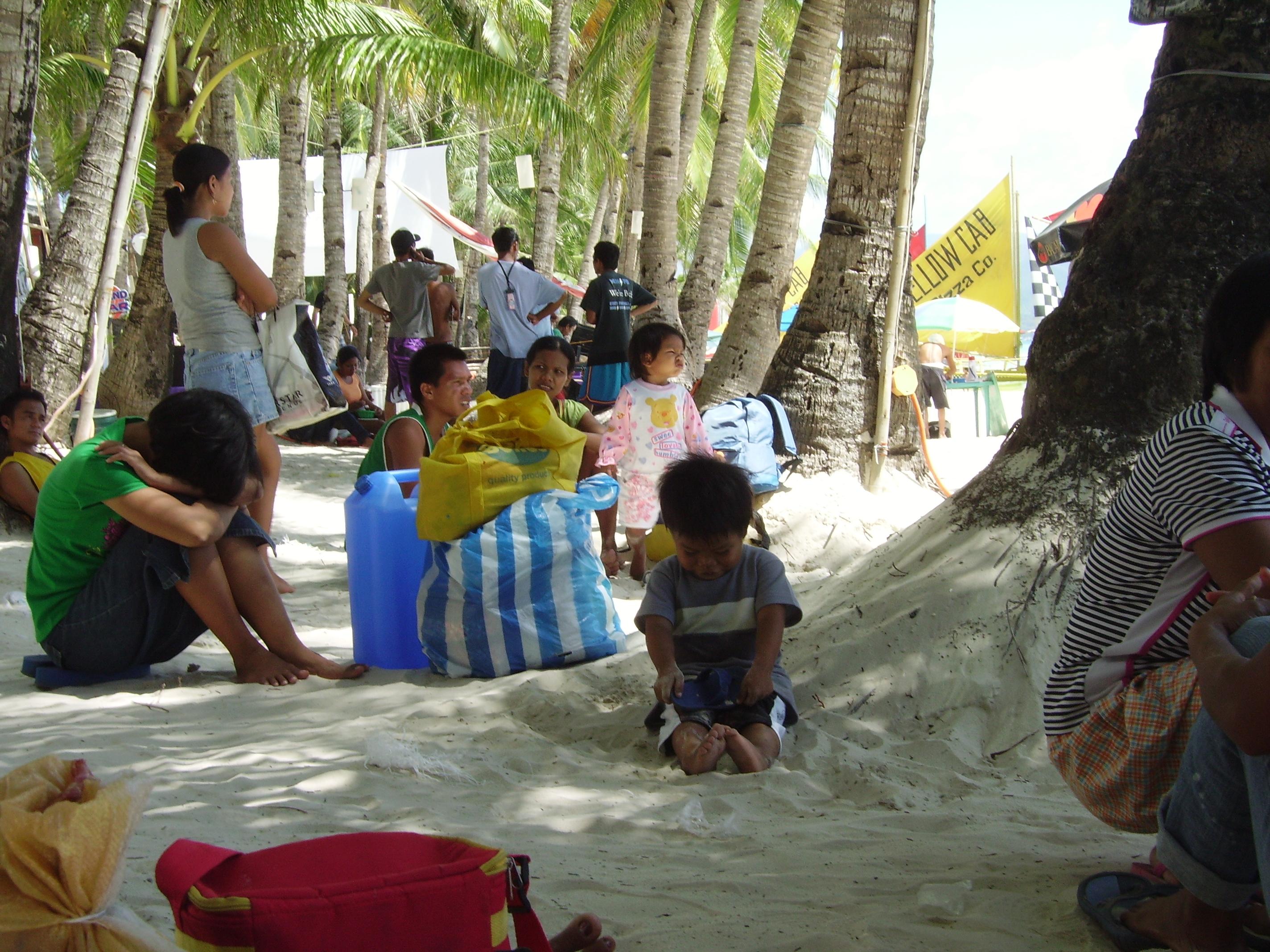 Attente sur une plage des Visayas.