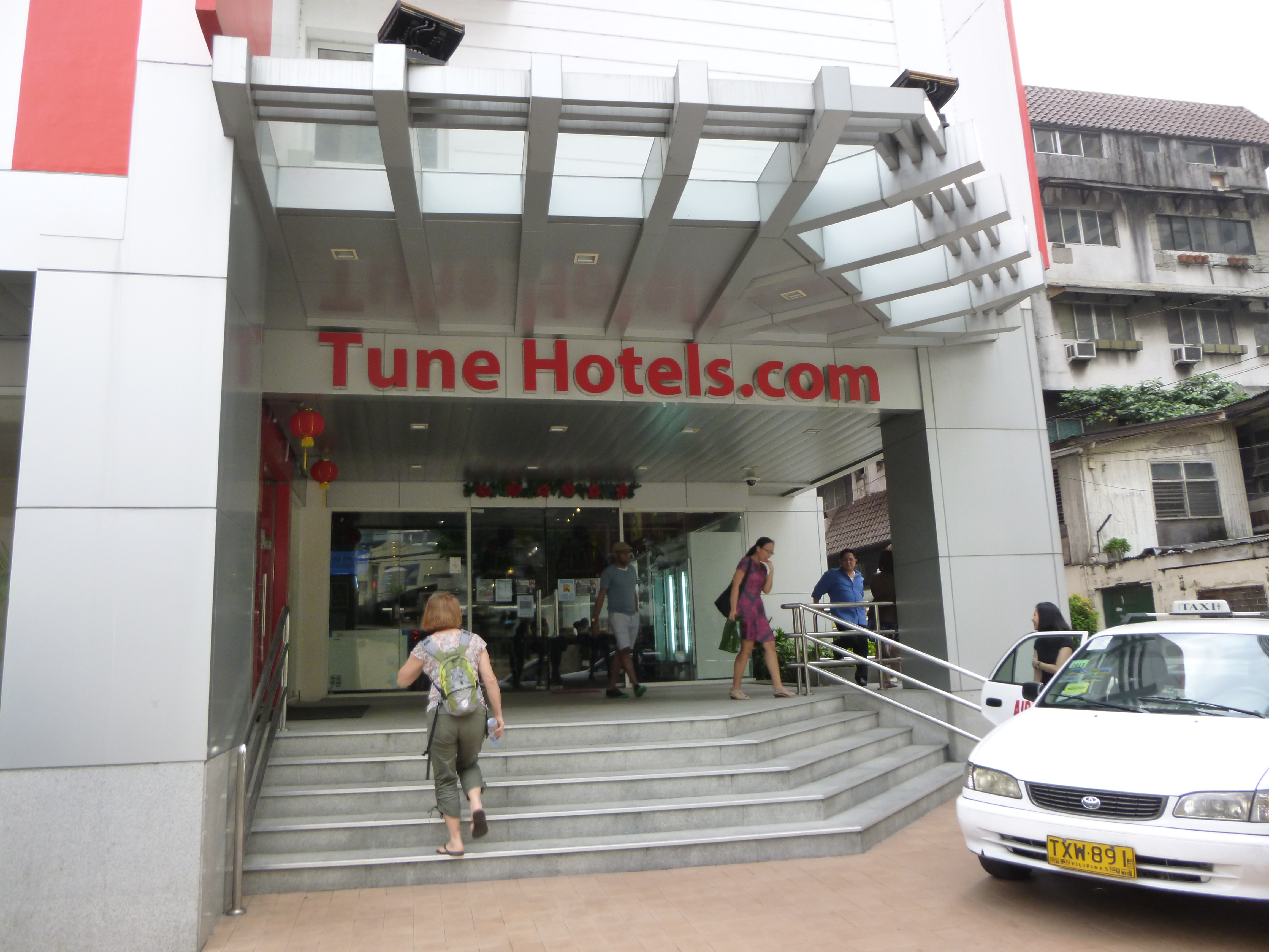 Tune hotel Makati, central, propre et silencieux