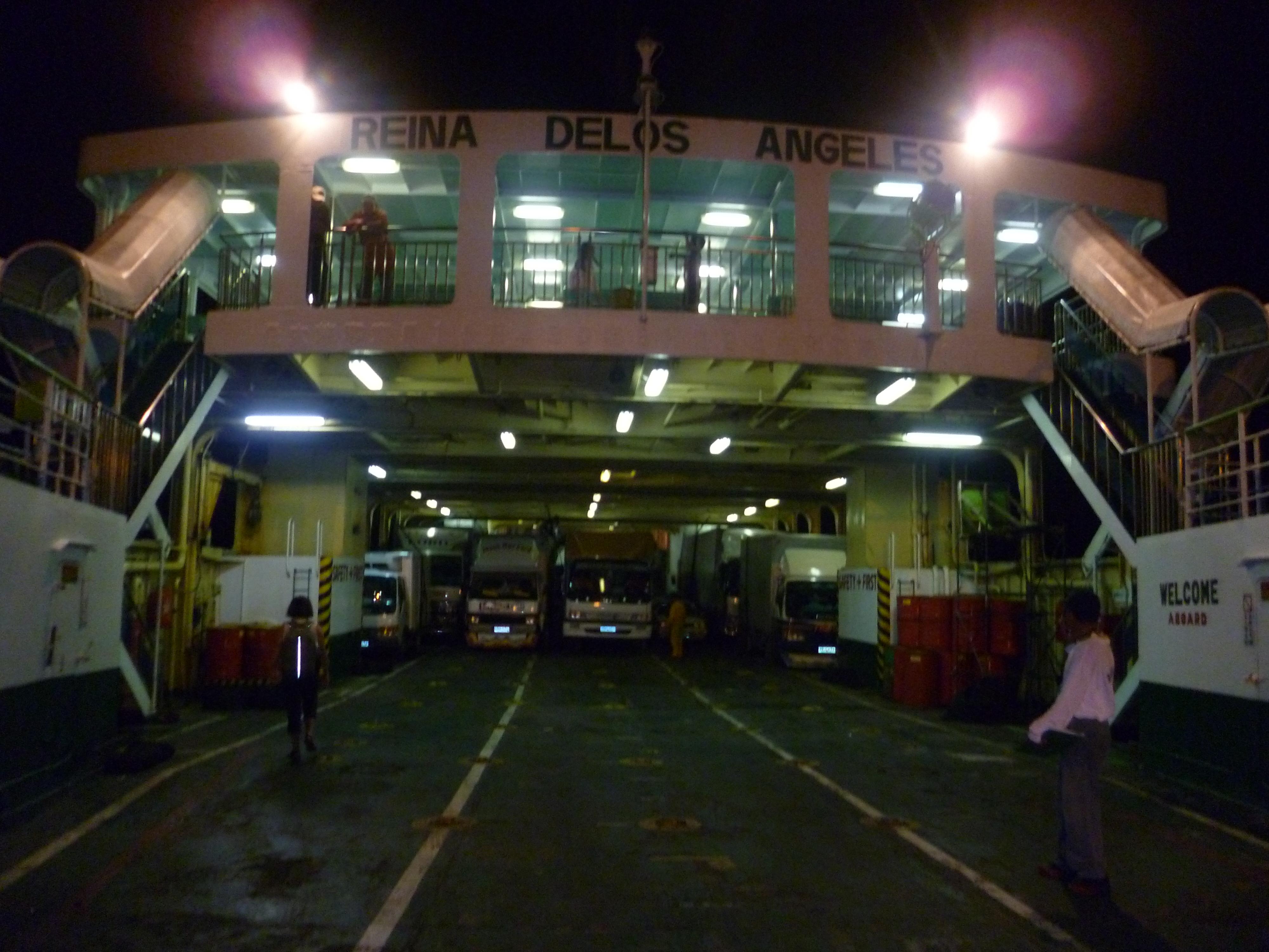ferry, embarquement de nuit depuis Mindoro