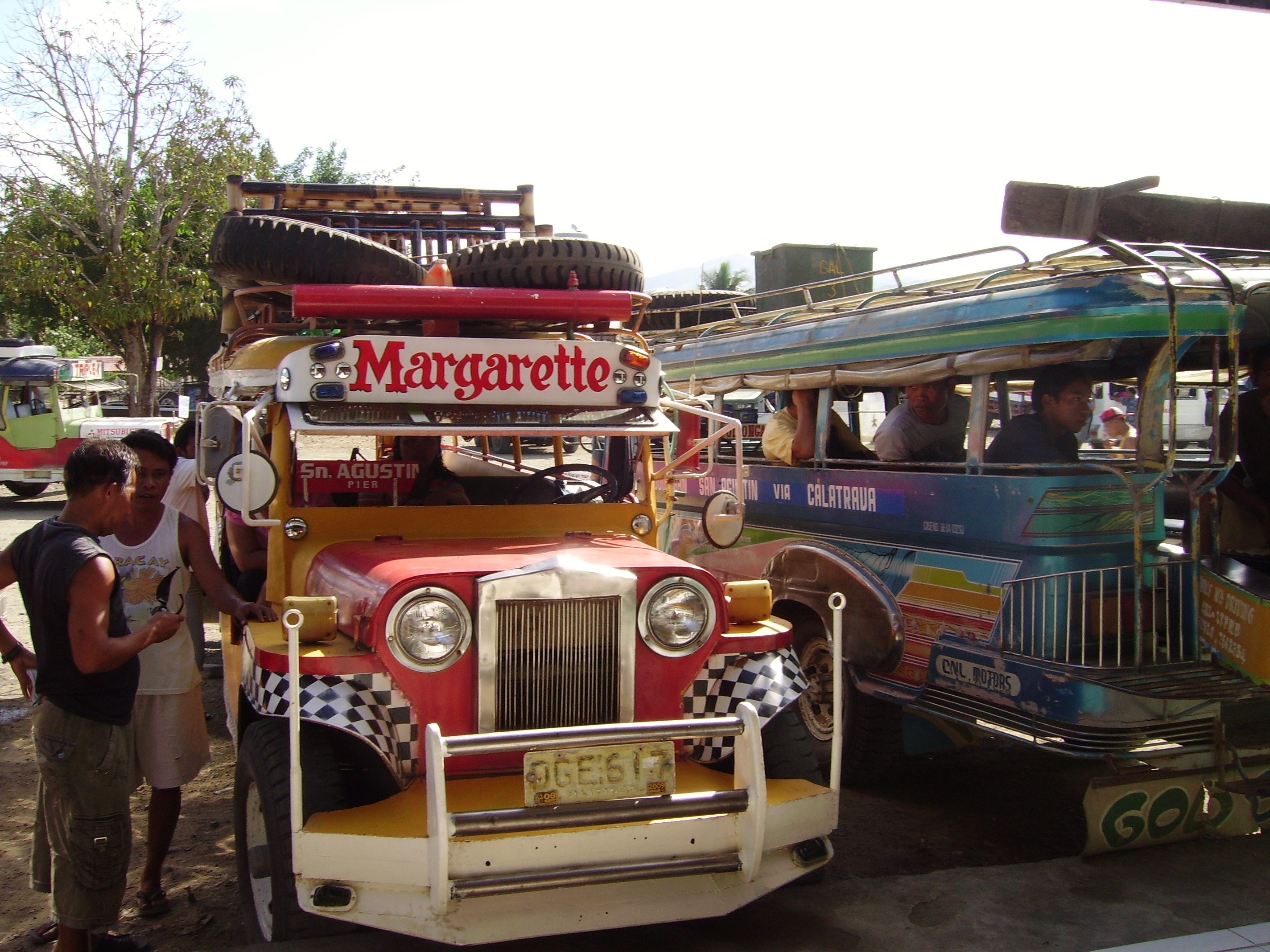 jeepney sur Tablas island