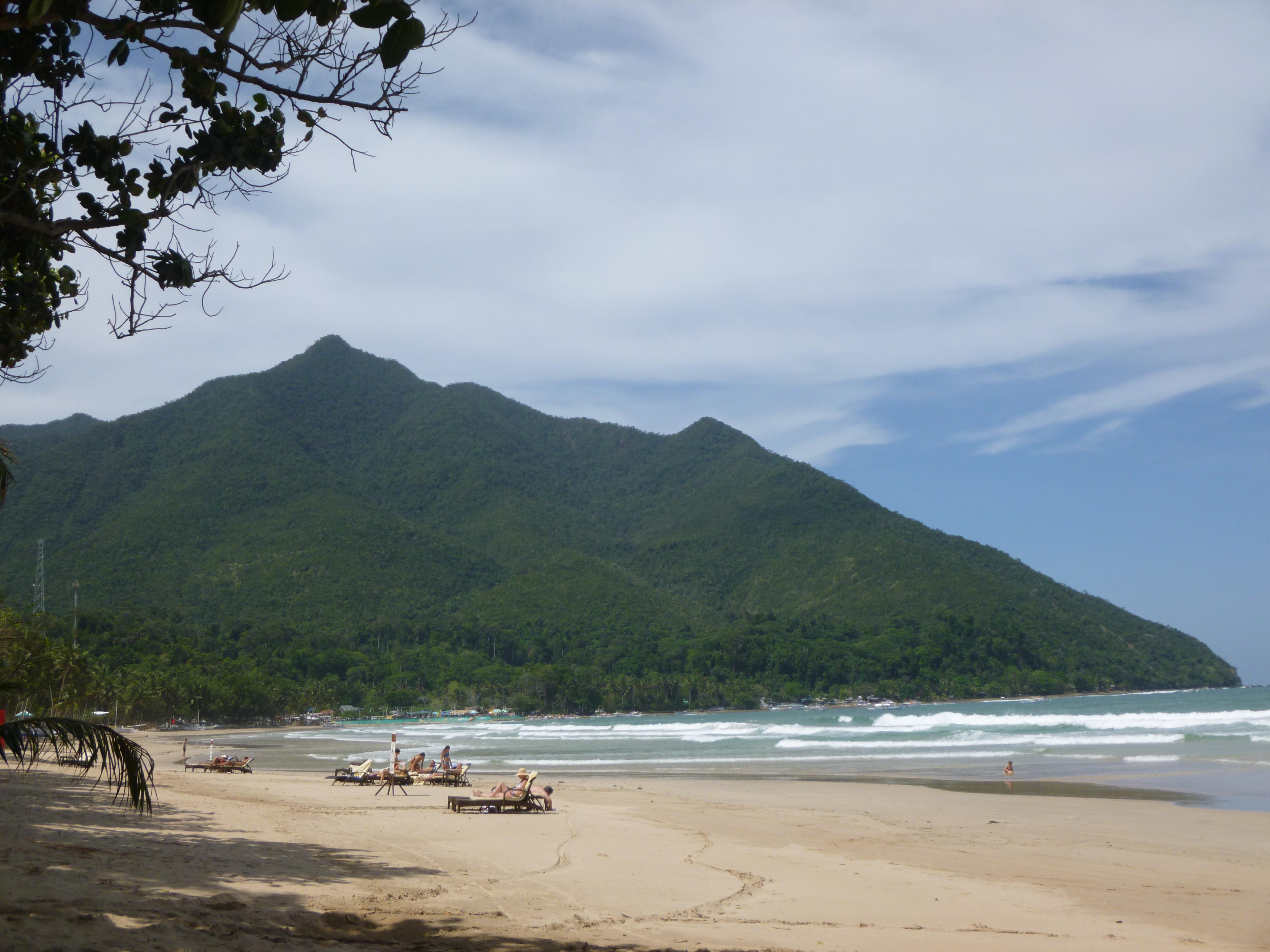 plage de Sabang, 1200m de long, superbe sable